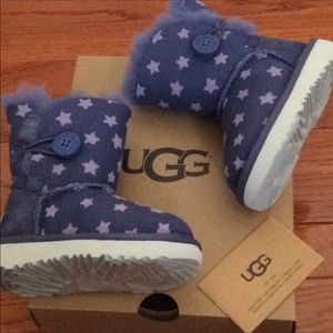 🆕 UGG boots bailey button boots- toddler size 6